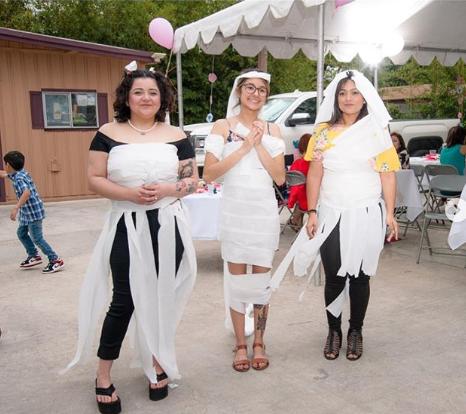Wedding Dress Designers Game.Toilet Paper Dress Bridal Shower Game Bridal Shower 101